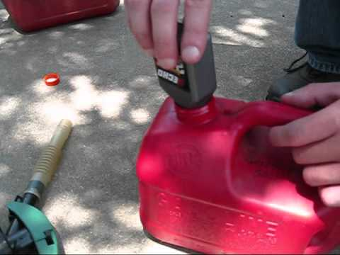 How to Mix Gas and Oil for 2 Stroke Engines