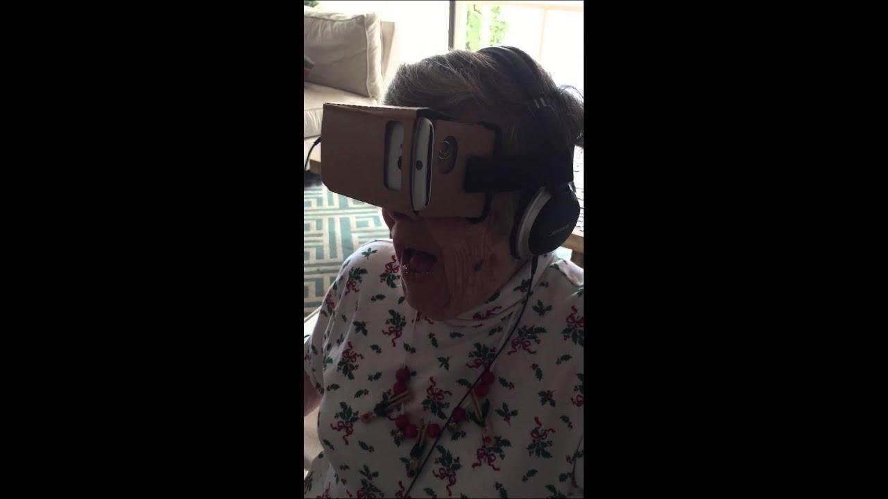 Így érezte magát a virtuális valóságban a 89 éves nagymama - videó