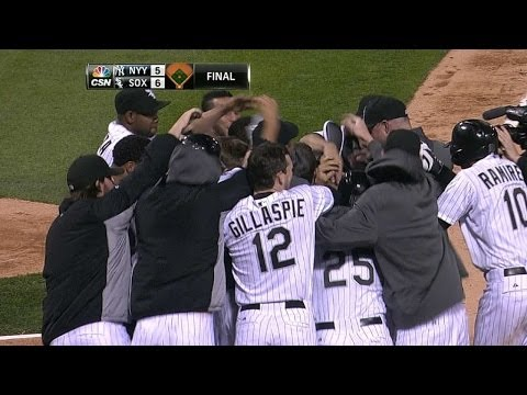 Dunn crushes walk-off homer to right-center