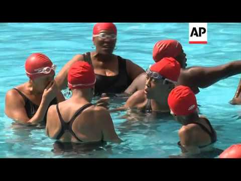 Senior citizens find synchronised swimming is a great way to boost health