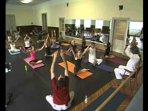 Mark Whitwell teaching yoga in Pula, Croatia (2010.)