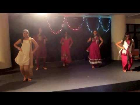 Nagada Sang Dhol Baje Dance Performance video