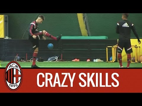 Mastour - El Shaarawy: freestyle football juggling in Milanello | AC Milan Official