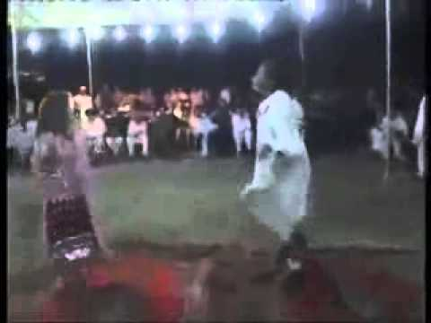 Lahore  Gilrs private Mujra party video with mast hot saxy dance...