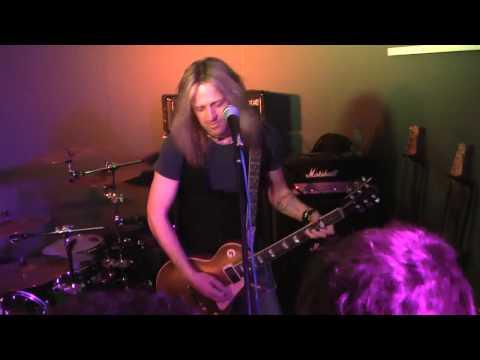 Doug Aldrich - (Part 0/5 - Intro) Marshall JMD100 - Musikmesse 2010