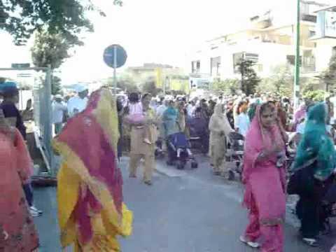 8 Maggio 2011 – Festa religiosa dei SIKH,a Lavinio Scalo/Anzio (Roma)