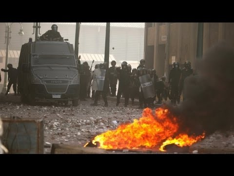 Egitto: 2 anni da rivoluzione, ancora scontri. Oltre 100 feriti