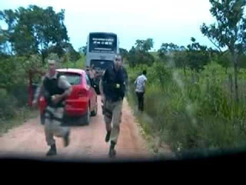 perseguição da PRF a quadrilha em assalto a ônibus 29.09.2013