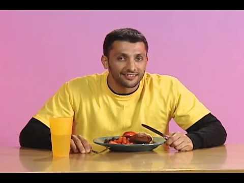 Hurray For Baba Ali - Playing SportsDua before eating