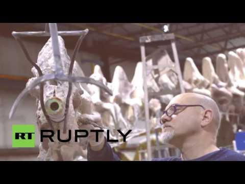 World's biggest dinosaur skeleton unveiled in New York