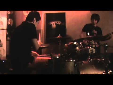 Raimund Marasigan and Buddy Zabala - Eraserheads medley (Drum and Drummer 4)