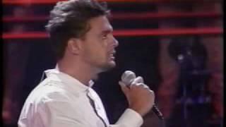 Watch Luis Miguel Si Nos Dejan video
