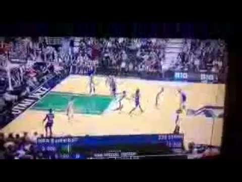 Paper Airplane thrown at New York Knicks vs. Utah Jazz Game [3-18-13]
