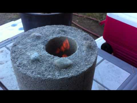 Home Made Rocket Stove. vermiculite and cement Part 3