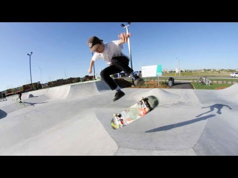 Ethernal Skate Films / Léo Hamel (13 years old) Skateboarding at St-Hyacinthe Skatepark