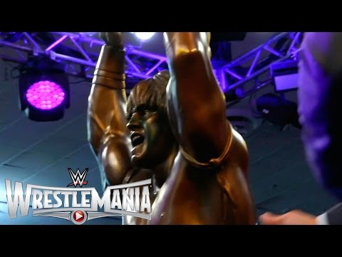 Ultimate Warrior statue revealed at WrestleMania Axxess
