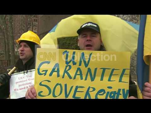 "NY: PROTESTERS: ""HELP UKRAINE"""