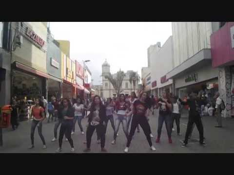Flash Mob: Pump It - Equipe NASA
