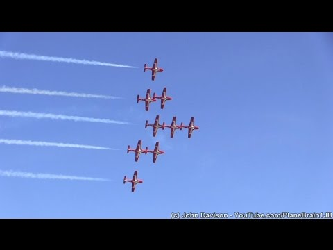 2015 R.I. Airshow @Quonset - Canadian Forces Snowbirds