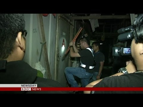 MALAYSIA RAIDS: 10,000 POLICEMEN IN SEARCH OF ILLEGAL WORKERS - BBC NEWS