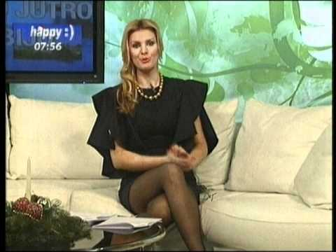 Maja Manojlovic voditeljka Happy televizije sexy crossed legs