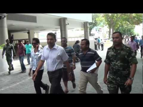 Maldives coup - Baghee Abdulla Riyaz & Mohamed Nazim with Nasheed's resignation letter