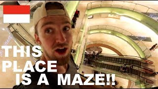 The BIGGEST MALL in INDONESIA!!..Has Amazing Indonesian STREET FOOD!!