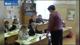 بالفيديو: قوة خارقة تجعل طفلاً يجذب المعادن بطريقة غريبة