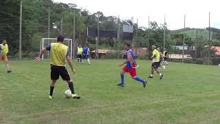 Erik, Luizinho, Helânio a Rover que passa para Carneiro   o chute de pé esquerdo e a bola vai fora 2