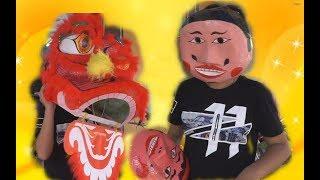 Đại Nghĩa đi mua trang phục múa lân mặt nạ ông địa đồ chơi trung thu trẻ em