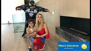 Mac's mom is WONDER WOMAN! And she defeats the giant VENOM!!
