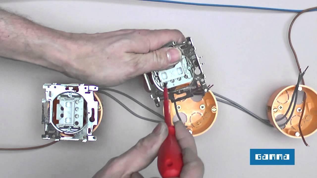 Electricit interrupteurs parall les et permutateurs - Comment faire un va et vient avec 2 interrupteurs ...