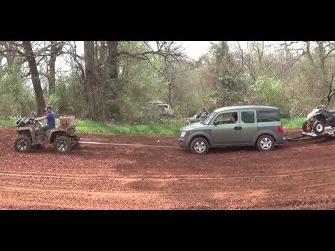Can Am Outlander Pulls Out Car! Mud Nationals 2014 Nats Highlifter