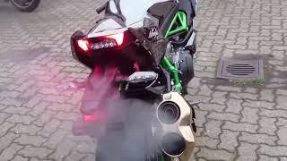 Biker nước ngoài test Kawasaki Ninja H2 và Kawasaki Ninja H2R