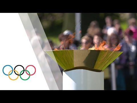 Olympic flame brings message of hope and peace to UN headquarters, The Olympic Museum