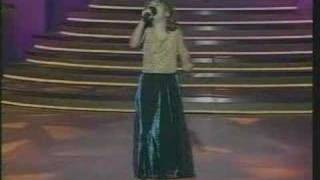 jojo at 8 years old performs