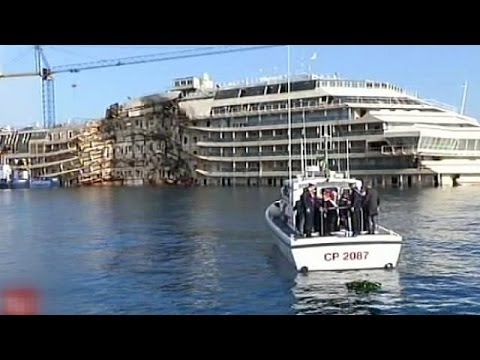 Survivors mark the second anniversary of the sinking of Costa Concordia