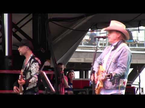 Dwight Yoakam 7/19/14 Louisville, KY @ Forecastle Music Festival