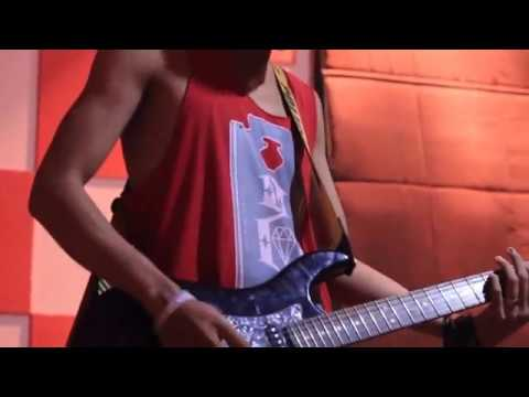 Hello - Ular Berbisa Cover By Satrivia Live Catherius Musicafe