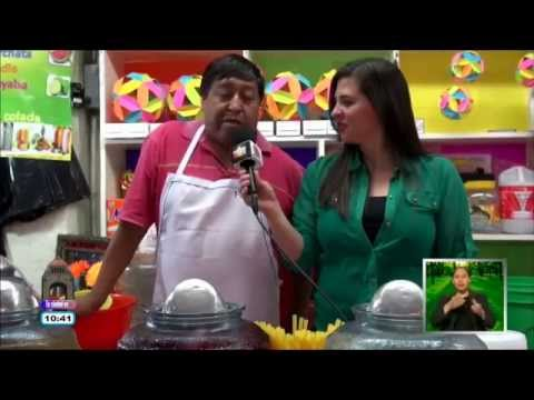 "Mercado Xochimilco: Local de carnitas ""Don Charlie"" y Aguas Frescas"