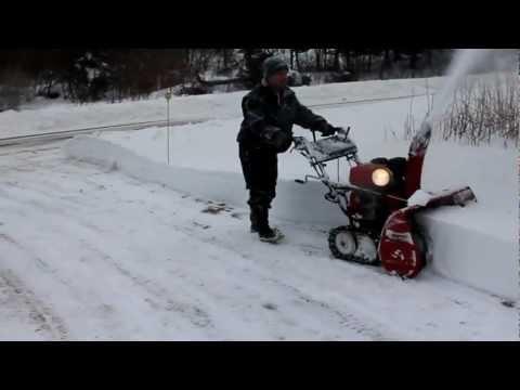 Honda snow blower 1132, Winter storm February 10, 2013 part 2