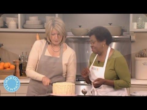 Martha Stewart's Red Velvet Cake - Martha Stewart - YouTube