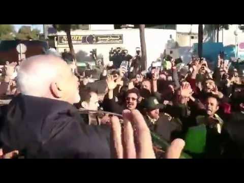 Welcoming Javad Zarif in Tehran ورود جواد ظریف در جمع پرشور استقبالکنندگان در فرودگاه مهرآباد