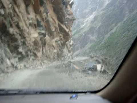 dedly driving karakoram highway k and co kamran mirza sadiq abad pakistan.MPG
