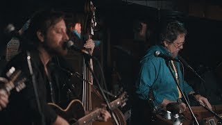 gudang unduh video Dan Auerbach - Never In My Wildest Dreams [Live From The Station Inn Ft. Jerry Douglas]