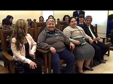 Con sus curadores como testigos se casaron dos mujeres externadas del Hospital Moyano