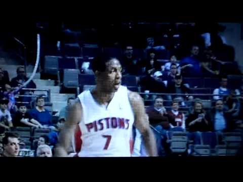 Sensational pass by Brandon Knight (Pistons vs Bucks 3 Feb. 2012)!