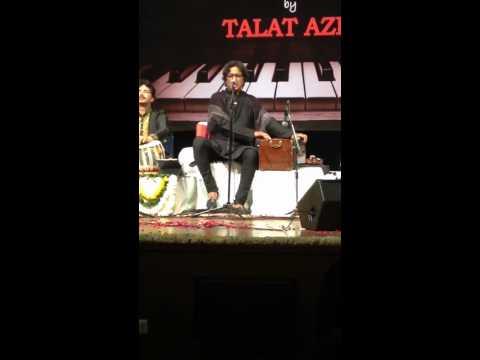 Talat Aziz : Phhir Chhidi Raat Live