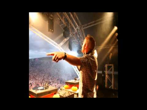 Fatboy Slim - Live at Electric Daisy Carnival (18-05-2012)