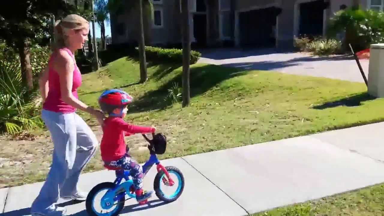Bikes With Training Wheels For 4 Year Olds year old first bike ride